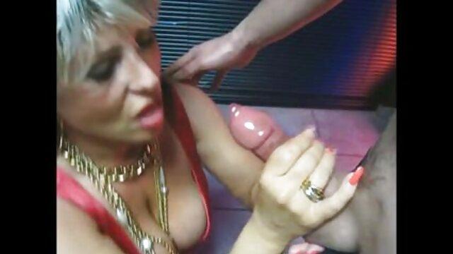 Orosz reggeli szex szex és pornó egy fiatal, karcsú diák.