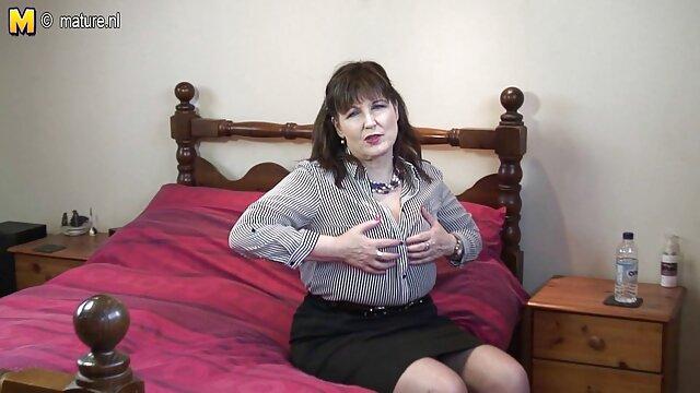 Leszbikus birkózó Carmen Valentina baszik nyelv sex film mobilra Sarah Brooke
